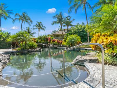 Photo for Bright, beautiful townhome w/ private lanai, full AC & shared pool/gym!