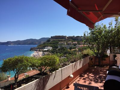 Photo for Superb sea view apartment, above the famous white Ghiaie beach.