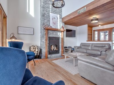 Photo for Cozy alpine alpine cottage near Calgary, Banff and Canmore