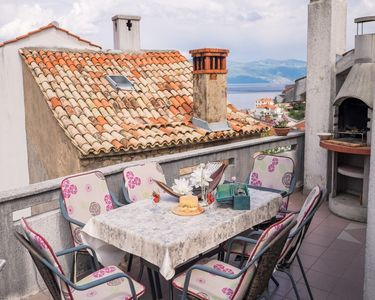 Photo for Holiday apartment with air conditioning 150 m from the Adriatic Sea