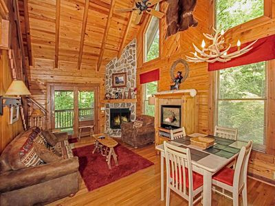 Photo for Buckhorn, 2 Bedrooms, Sleeps 6, WiFi, Jetted Tub, Grill, Fireplace, Hot Tub
