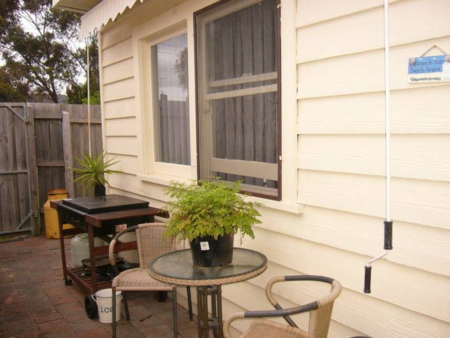 COSY COTTAGE 4 2 @ Dromana Beach