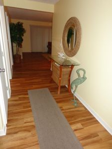Spacious entryway sets the tone for a beach vacation!