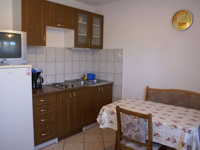 Photo for Apartment on the ground floor for 4-5 people with satellite TV