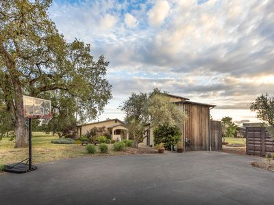 Photo for Sonoma Farm House with Barn