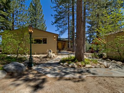 Photo for Irongate Lodge: 3  BR, 3  BA Cabin / Bungalow in Tahoma, Sleeps 8