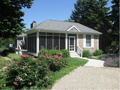 Photo for 3BR Cottage Vacation Rental in New Buffalo, Michigan