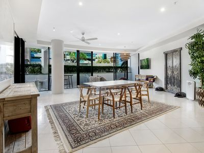 Photo for Aria Luxury 3 Bedroom Apartment in the Heart of Broadbeach