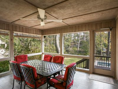 Comfortable relaxing home with new homeaway hilton head island screened in porch provides excellent place to enjoy a meal play a game or simply malvernweather Choice Image