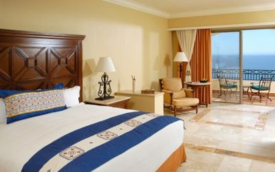 Photo for Pueblo Bonito Sunset Beach Golf & Spa Resort, Junior Deluxe Suite!