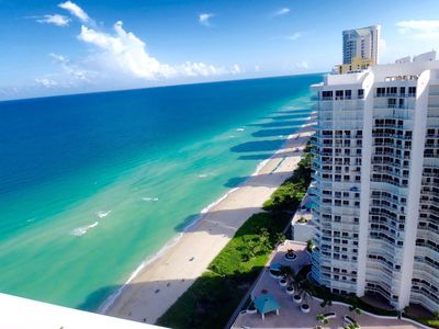 "Photo for ""LA PERLA"" SUNNY ISLES, FL. Elegant and Gorgeous condo , Ocean and city view"