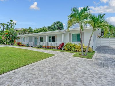 Photo for Villa Aquazul: Fort Lauderdale Beach area, Comfy 2BR with pool