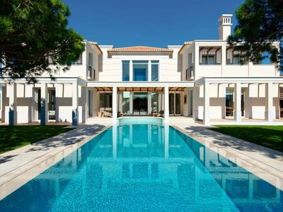 Photo for Stunning villa in Parque Atlantico, Quinta do Lago with private pool, jacuzzi, cinema room and games room AW4