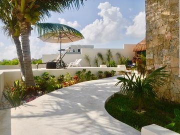 Swell Cancun Mx Vacation Rentals Houses More Homeaway Home Interior And Landscaping Transignezvosmurscom