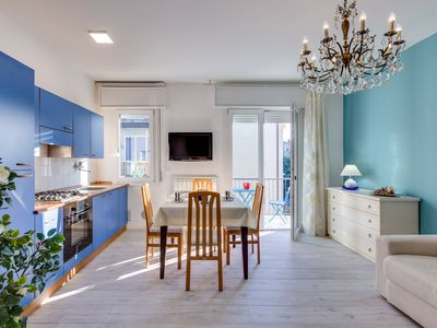 Photo for Casa Serenissima bright and centrally located with free parking