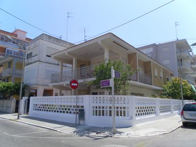 Photo for Gandia: Casa con jardín
