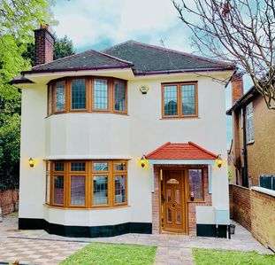 Photo for Huge 3 bedroom House in Hendon Central