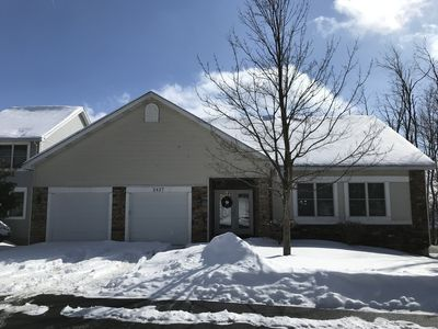 Photo for 2427 South Ridge, 7 bdrm, Slps 17, Has Wifi and AC, Minutes to Pool and Slopes!