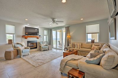 This vacation rental house accommodates up to 15 guests.