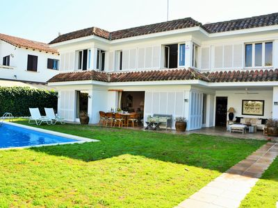 Photo for Villa Sitges Alegre. 3 minutes from the beach. Villa with a warm and welcoming air.