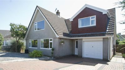Photo for Worcester Drive - Four Bedroom House, Sleeps 7