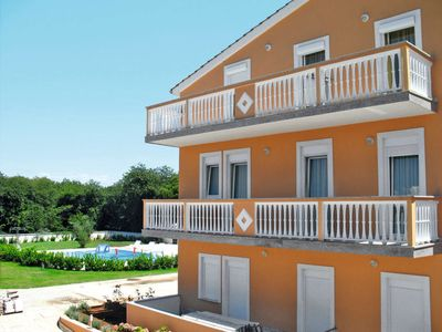 Photo for One bedroom Apartment, sleeps 4 in Banjole with Air Con and WiFi