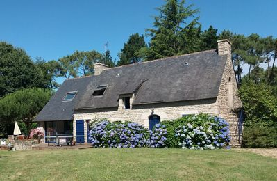 Photo for Large Breton farmhouse, charm and tranquility between sea, countryside and village