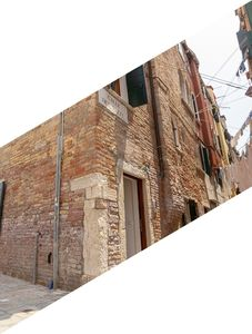 Photo for Veneziacentopercento Rooms and Apartments 800m from Piazza San Marco