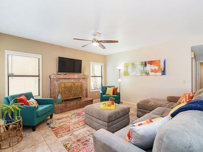 Photo for Scottsdale Delight ★ 5 bd with Pool ★ Sleeps 19