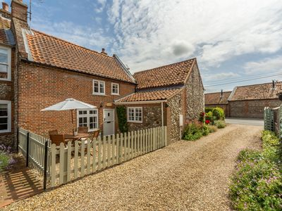 Photo for A lovely characterful and cosy cottage located in a private road in Docking.
