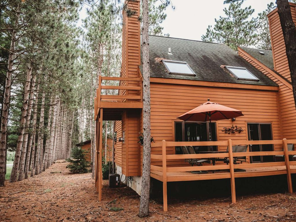 A winter get-away in Wisconsin is just what you need! Be our guest at Knotty Pines