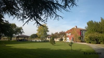 Photo for Authentic and charming family house on a 3600 m² park with swimming pool.