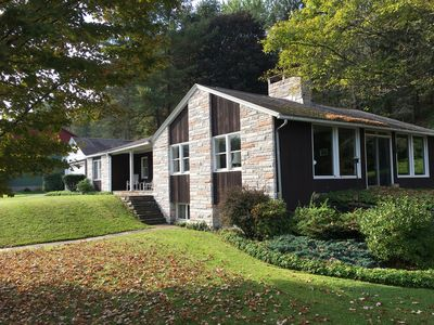 Photo for Fabulous Mid-Century Modern family home in the Poconos