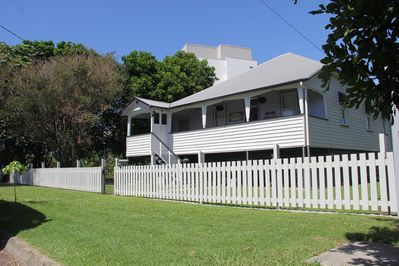 Boho Beach House - steps away from Sutton's Beach