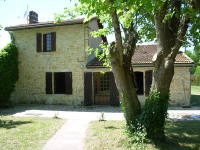 Photo for Maison de Medoc-Restored country house, 4 people, 2 terraces, 2200sqm meadow