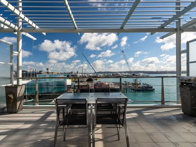 Photo for 1BR Apartment Vacation Rental in Auckland CBD, Auckland