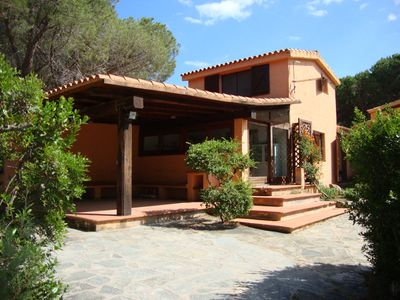 Photo for Holiday house with large private garden and just steps from the beach