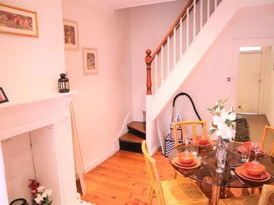 Photo for 2 BR Cosy Art Terrace Home Near Central Station!