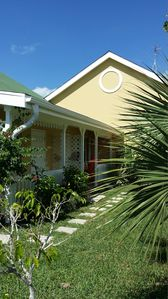 Quiet friendly complex, lots of parking. Great palm trees. Walking trails