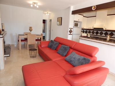 Photo for 2 Bed, 1 Bath Bungalow in Valencias urbanisation, close to Villamartin Plaza