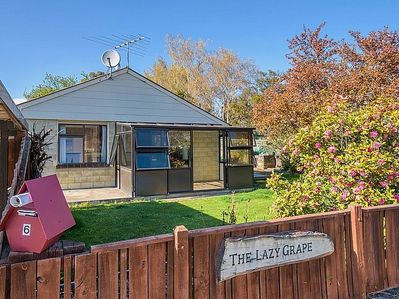 Dunstan Retreat - Cromwell Holiday Home