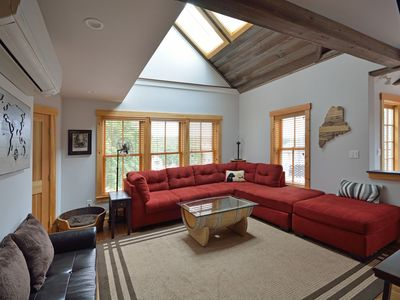 Buddyu0027s Barrel House: Pet Friendly 3BR Apartment In Downtown Boothbay Harbor