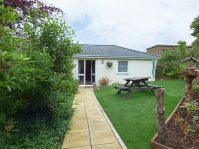 Photo for HUNTERS LODGE, pet friendly, with a garden in Lanner, Ref 957338