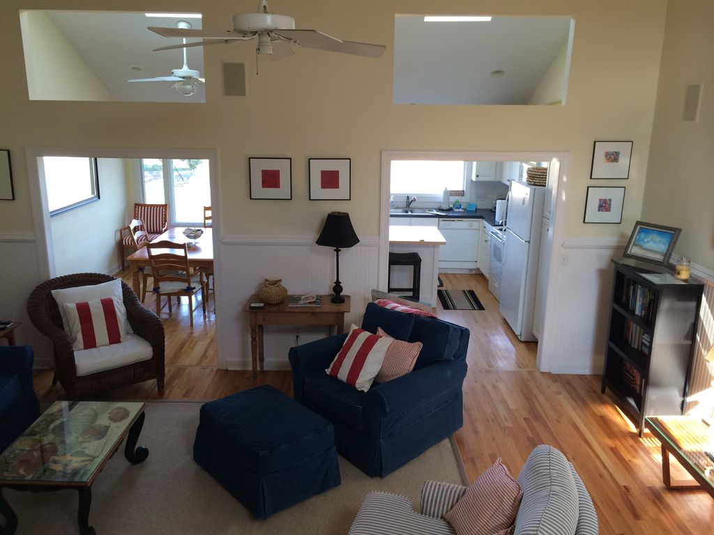 26 linkside court awesome marsh view wild dunes 237480 isle of palms townhome rental great room nvjuhfo Choice Image