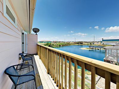 Photo for Renovated 4BR w/ Deck & Pool—Steps to Beach, 20 Minutes to Schlitterbahn