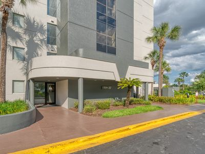 Photo for Modern Apartment close to I-drive, Convention center, Universal Studios