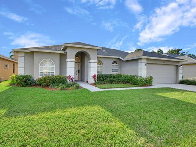 Photo for Luxurious 4 bedroom 3 bath private pool home with gorgeous lake views!