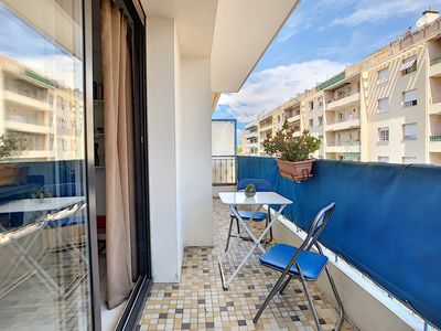 Photo for Apartment four beds, two balconies, close to shops and beach in Antibes