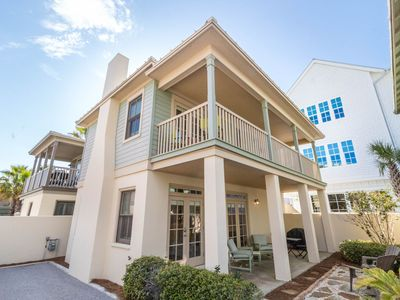 Photo for Sunset Beach! South of 30A, Large Beachfront Comm Pool! Walk/Bike to Rosemary! 2 Bikes Included