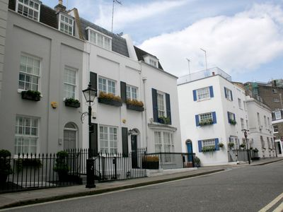 Photo for Georgian Townhouse in Knightsbridge, central London, quiet St. air conditioned.
